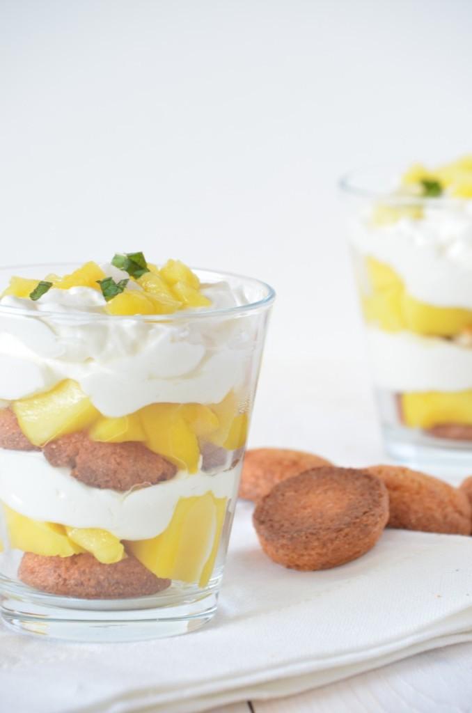 Mango-bitterkoekjestoetje