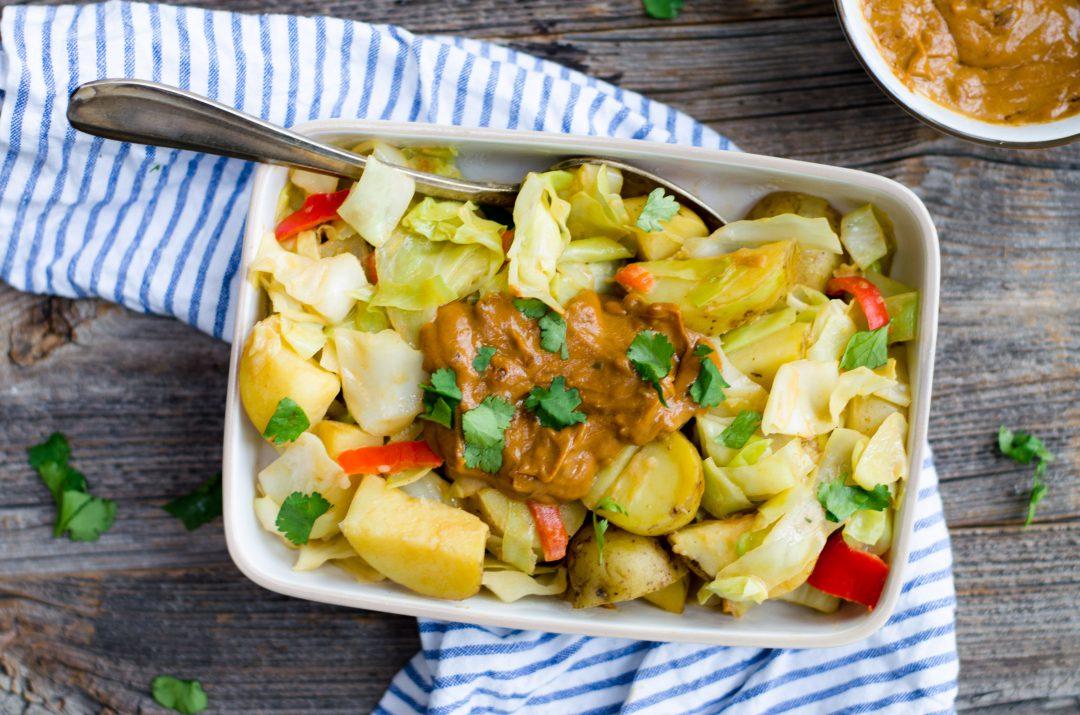 aardappelschotel met pindasaus
