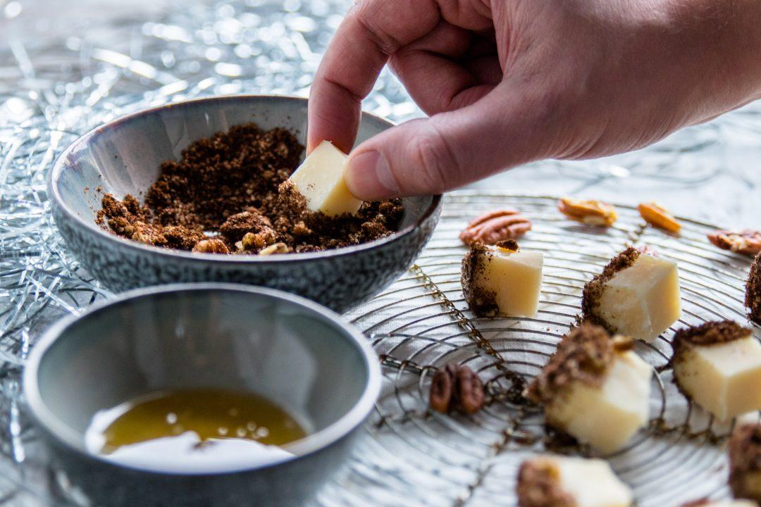kaashapjes met honing en koffie